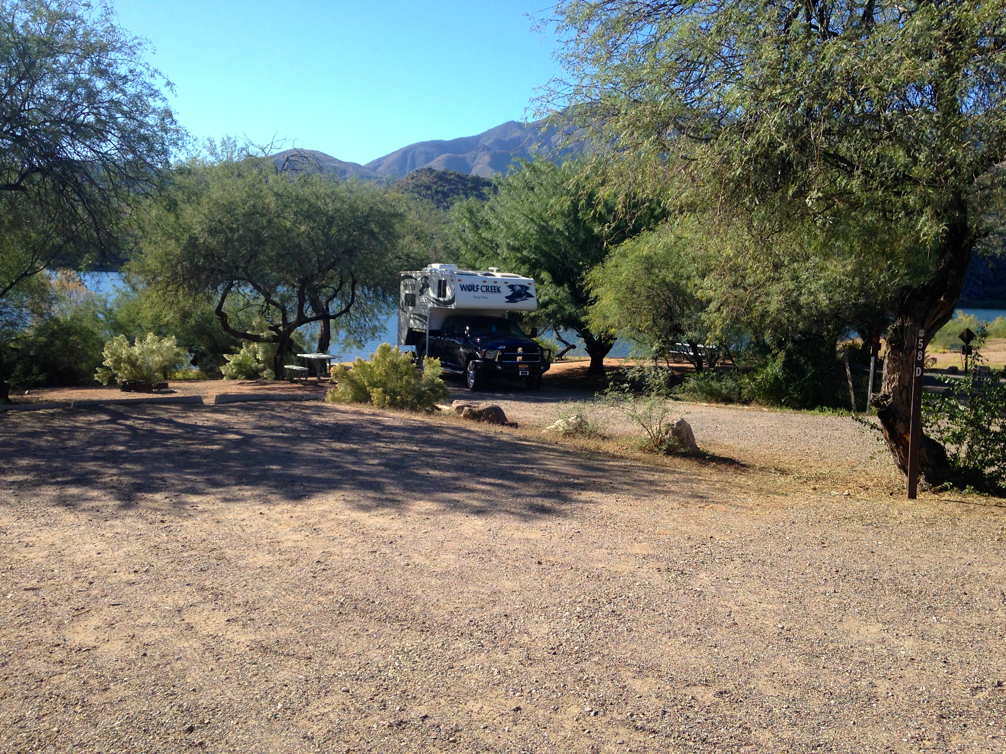 Arizona s apache trail usfs scenic byway truck camper for Apache lake fishing