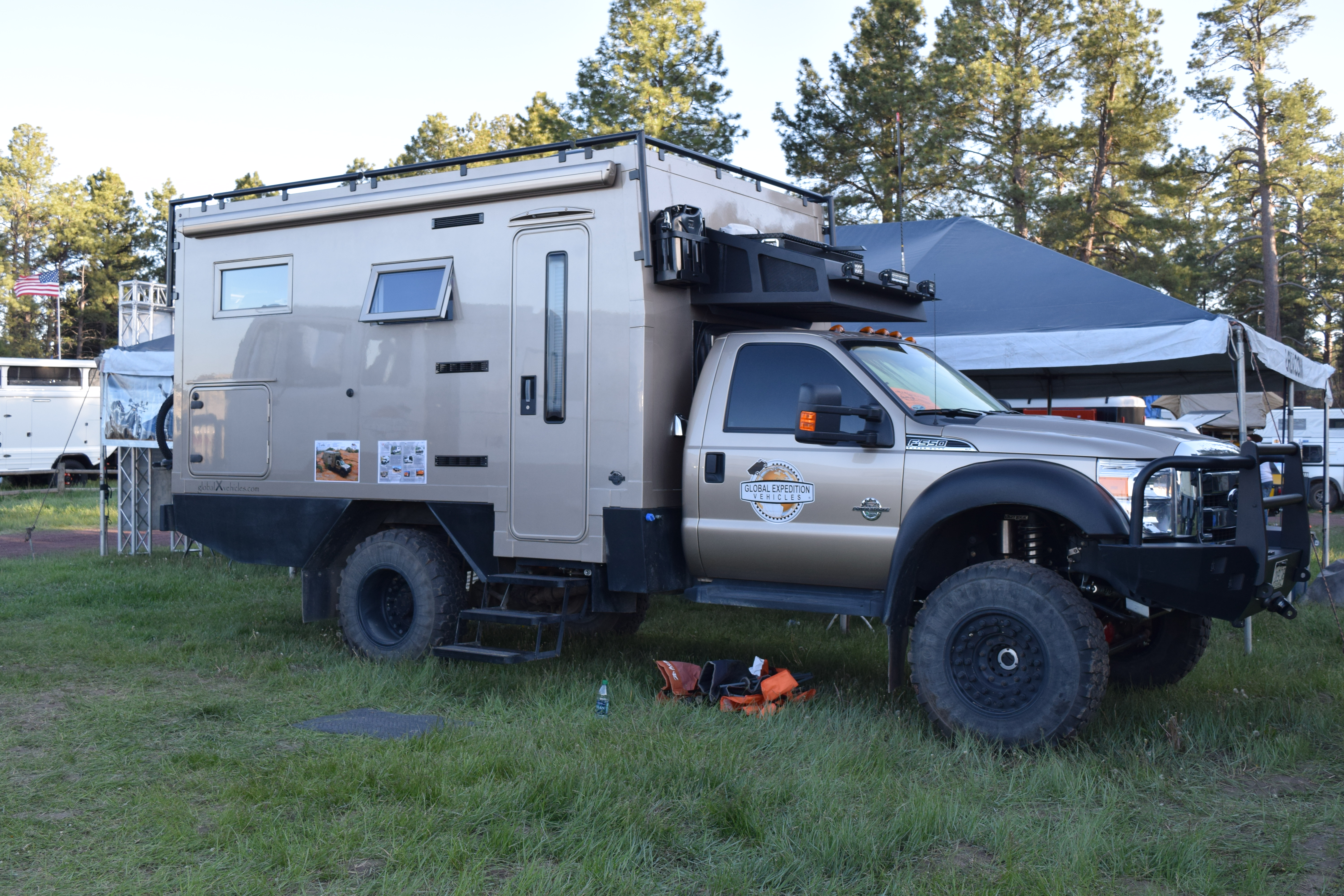 The Coolest Expedition Rigs From The 2016 Overland Expo